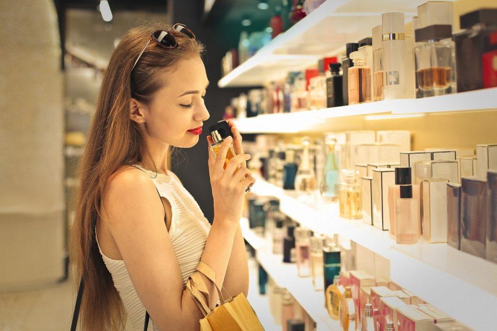 レディース香水の香りの変化に気をつける