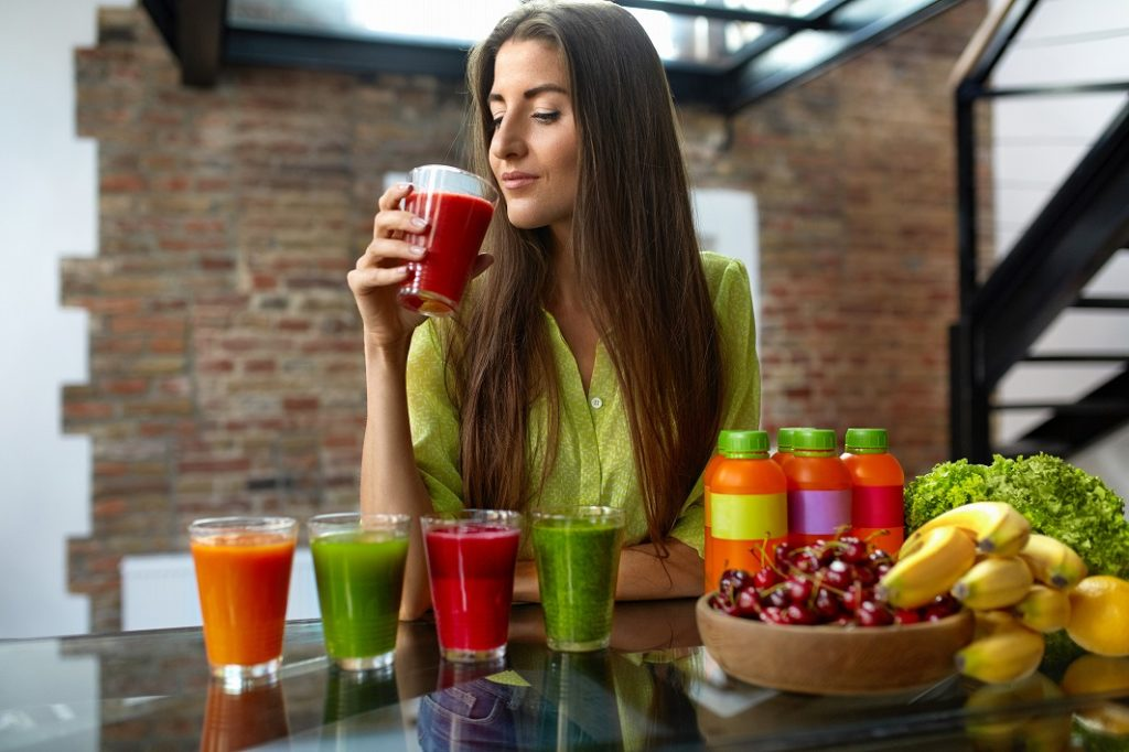 ケール青汁の過剰摂取は控え、薬との飲み合わせに注意する