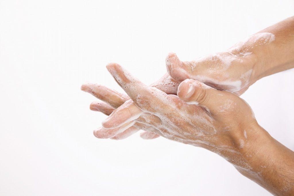 コンシーラーの前は手を洗う