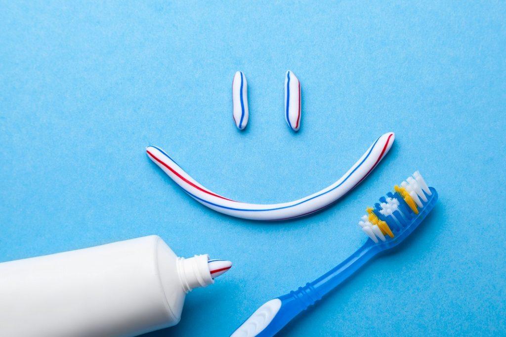 歯磨き粉のホームホワイトニングに有効な成分をチェック
