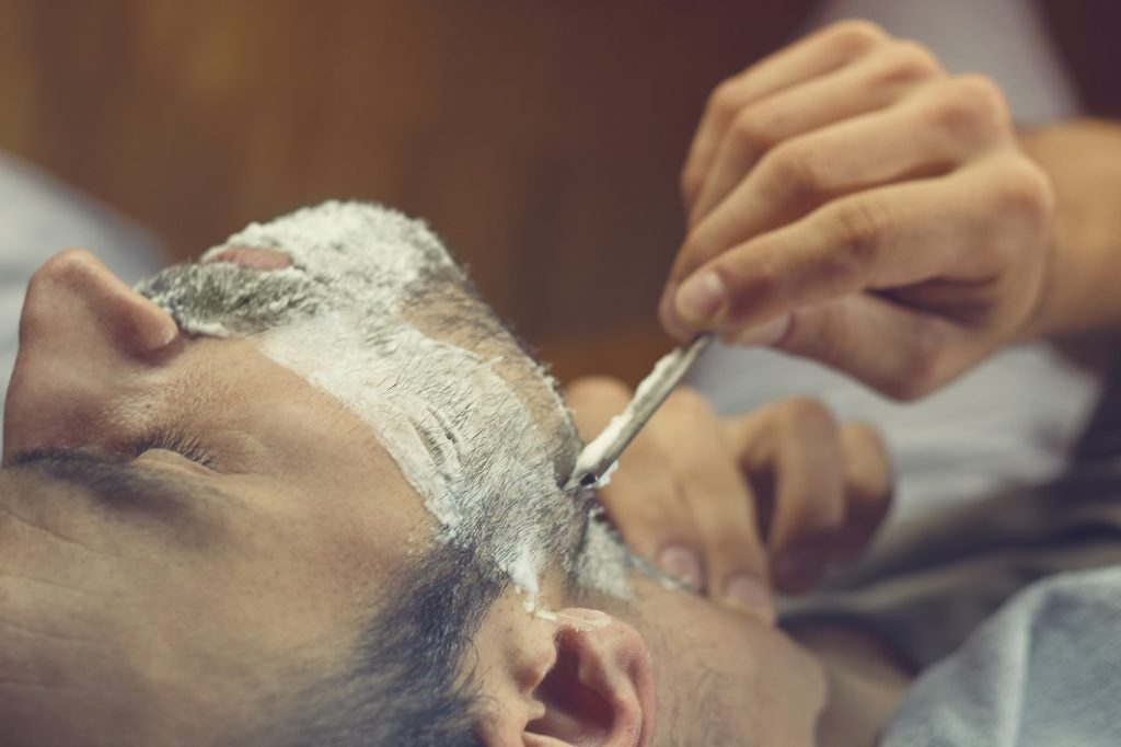 肌を痛めないための剃り方