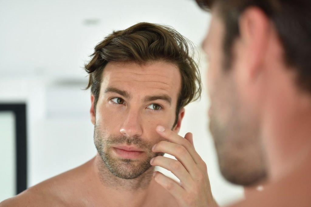 男性の肌が老けやすい理由とは