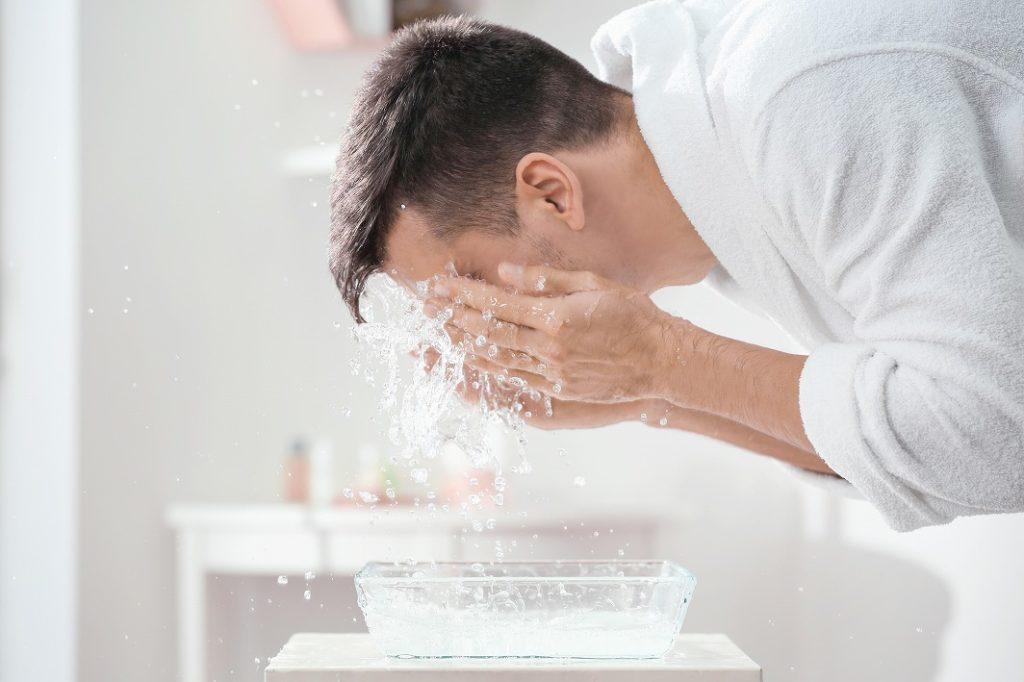 スキンケアの基本は洗顔から