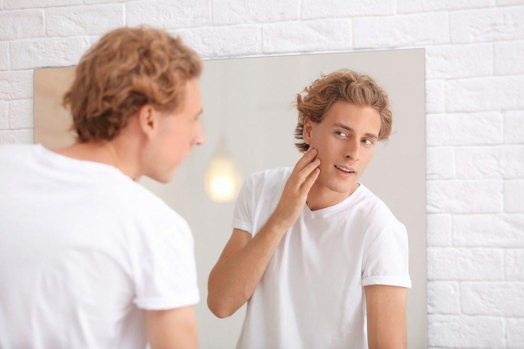 メンズ化粧水は丁寧に優しくつけましょう