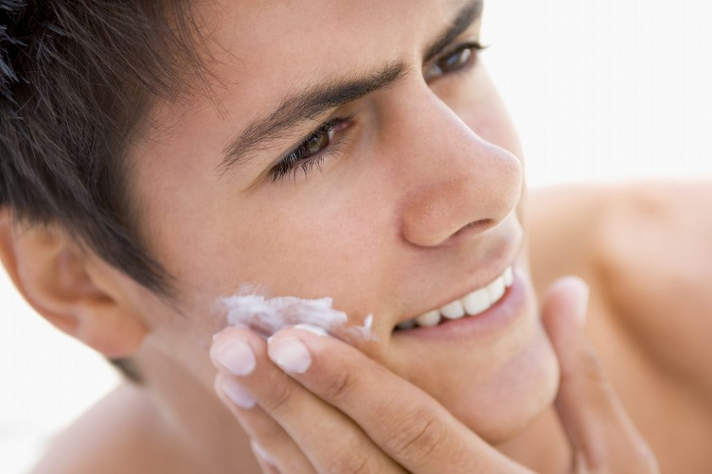 乳液やクリームでお肌にふたをしよう