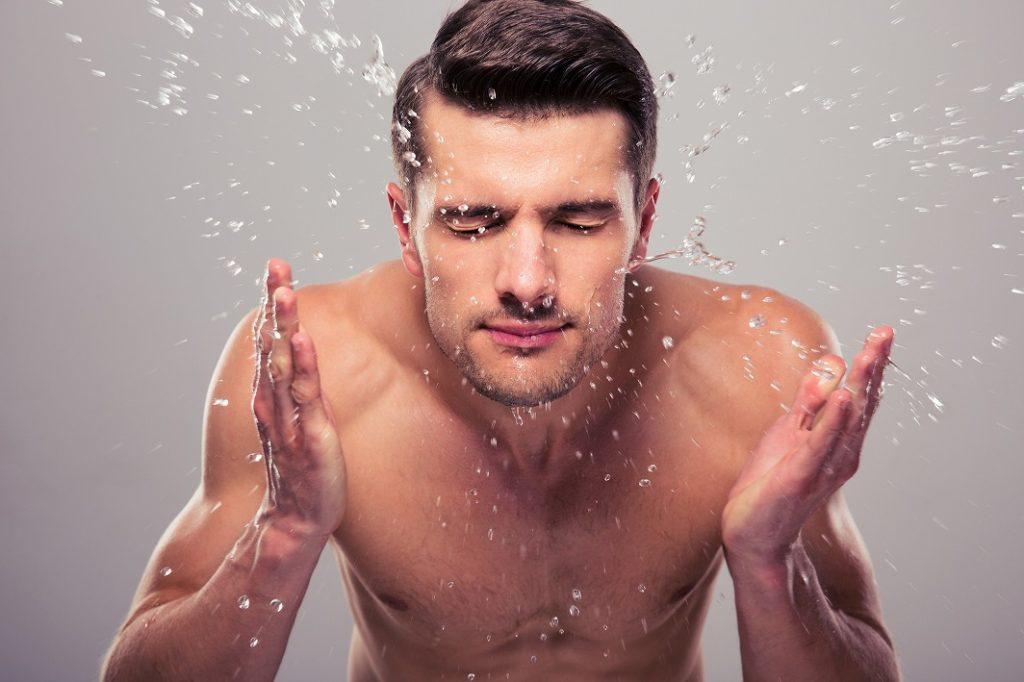 化粧水として使用する