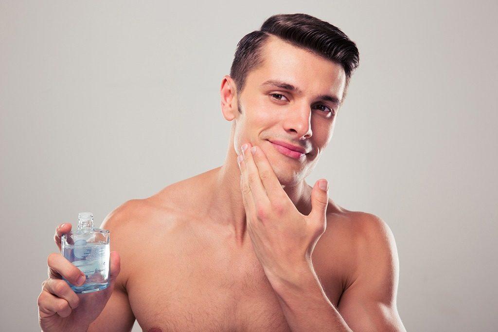 メンズオールインワン化粧品は肌に刺激を与えないようやさしく馴染ませましょう