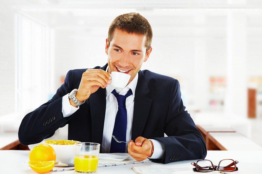 筋トレでプロテインを摂取するタイミングは朝食時にしましょう