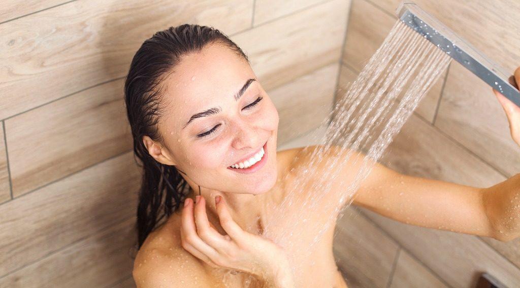 加齢臭対策&予防に効果的な石けんで洗う前にシャワーを浴びましょう