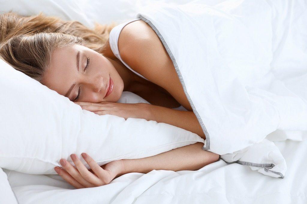 枕での寝姿勢も大事