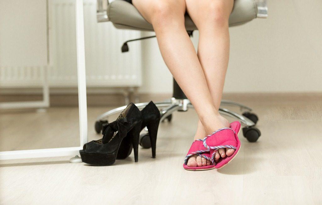 健康サンダルは室内履きか、外履きかで選びましょう