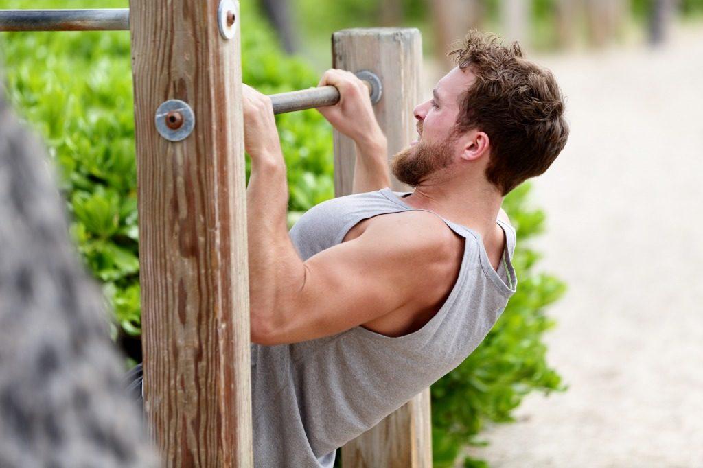 上半身を鍛えるおすすめ自重トレーニングのメニュー5選!