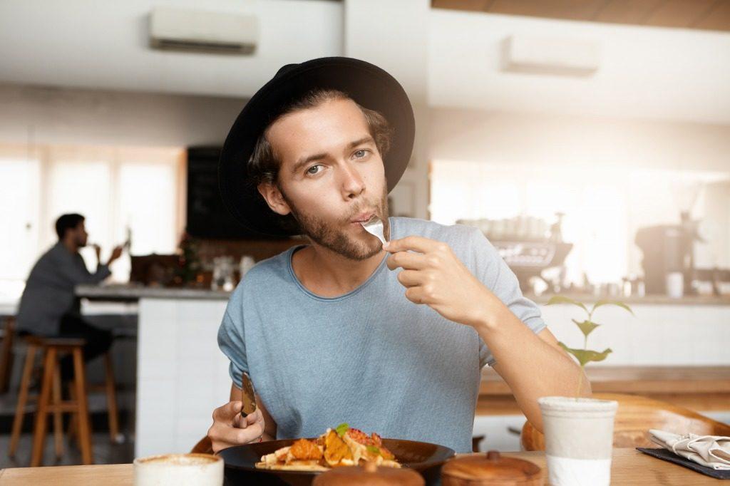 初心者の筋トレで効果的な食事とは