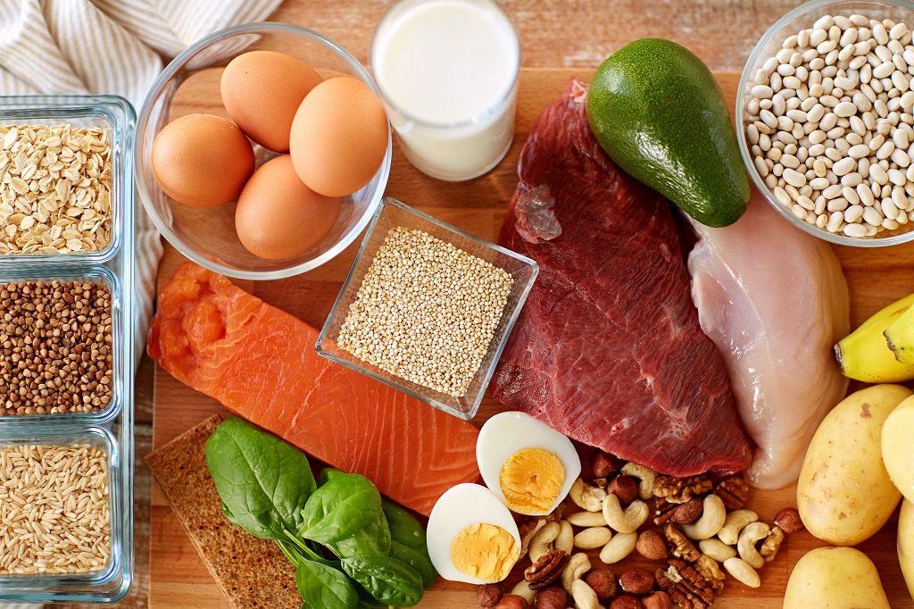 プロテインは食事でも代用できる?