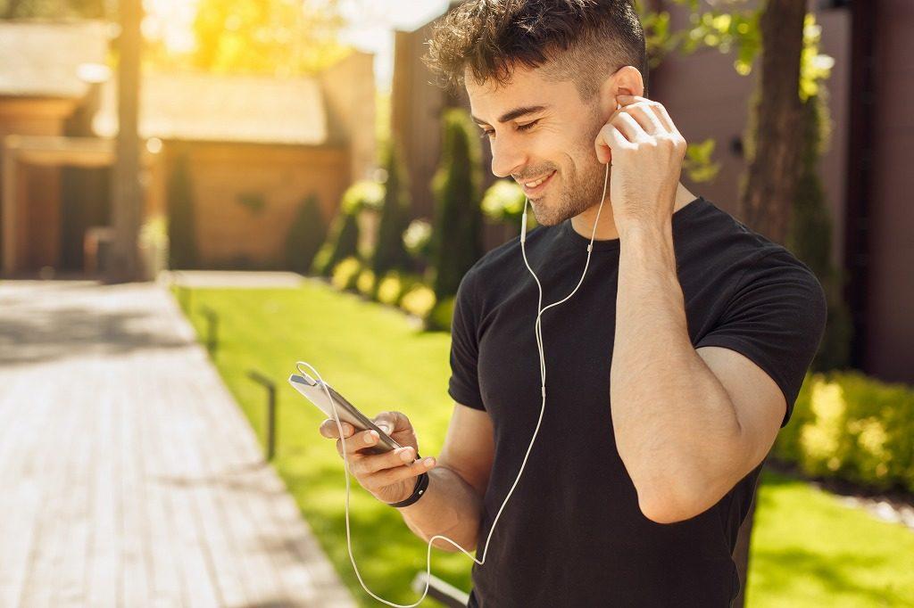 筋トレのモチベーションを維持する方法はアップテンポな音楽を聞きましょう