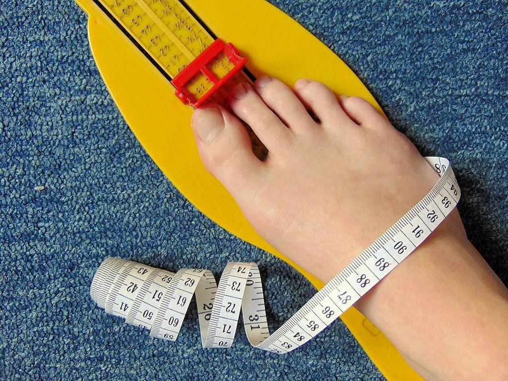 健康サンダルは足に合うサイズ展開を選びましょう