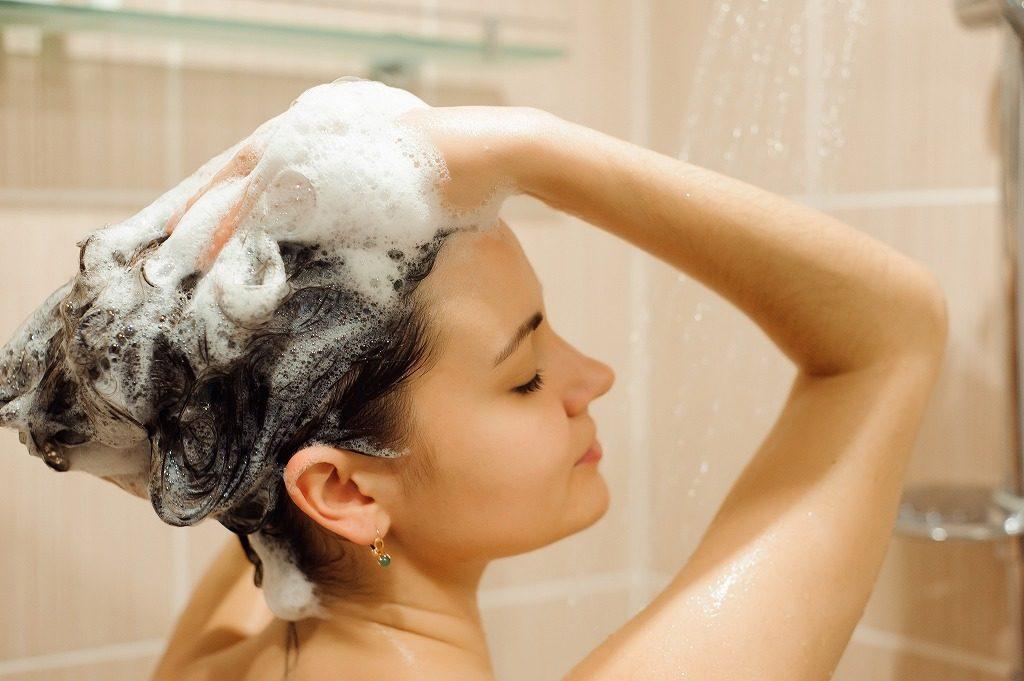 加齢臭対策におすすめのシャンプーの手順