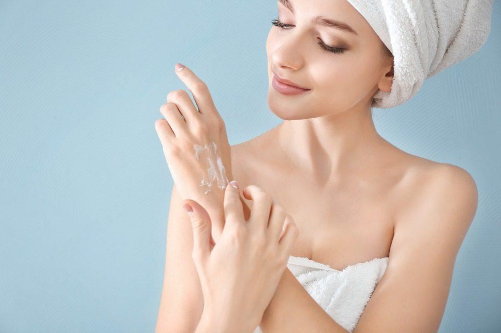 肌荒れに効果的なハンドクリームの使い方