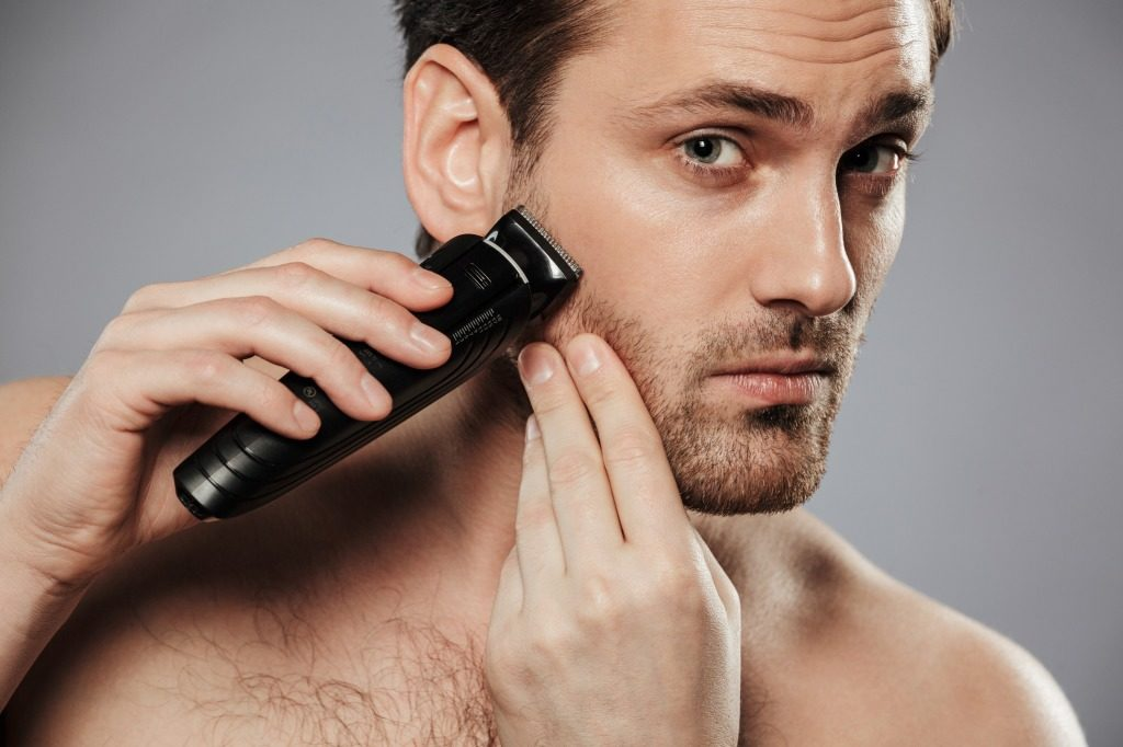 シェービングジェルで髭をしっかりと剃っていきましょう