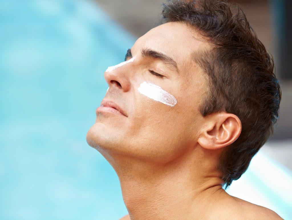 紫外線をしっかりカットする日焼け止めの使用方法