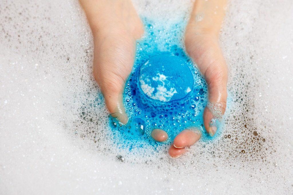 入浴剤の色