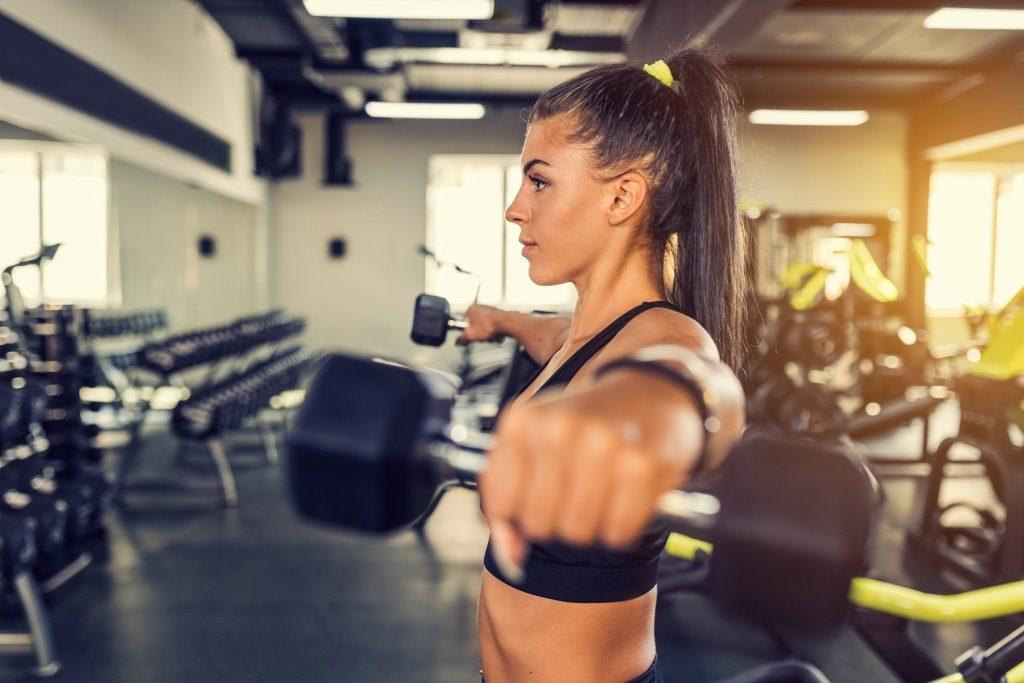 女性のジムでの筋トレを効率的に進めるポイント