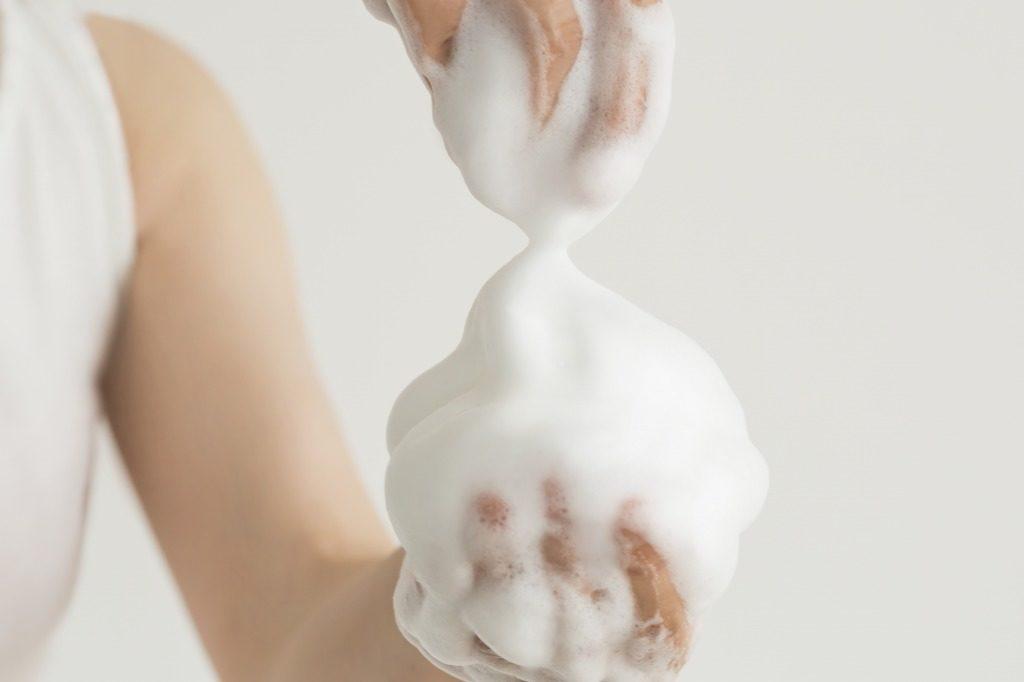 無添加石鹸は泡立ててから使用しましょう