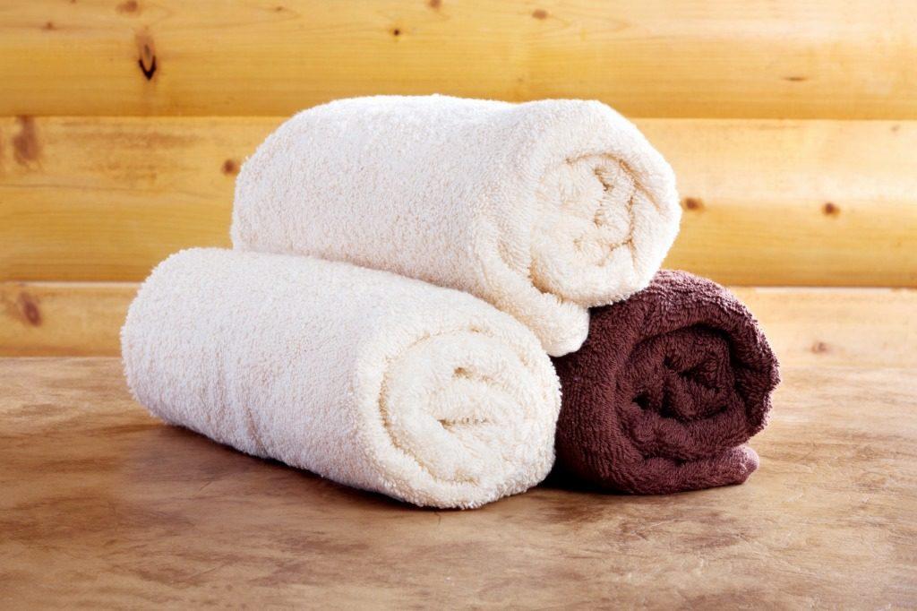 導入液のスキンケアの前に蒸しタオルを使用することで効果アップします