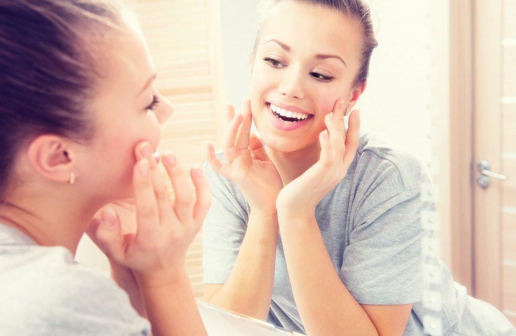 敏感肌用洗顔料は肌に刺激のある成分がなるべく配合されていないものを選びましょう