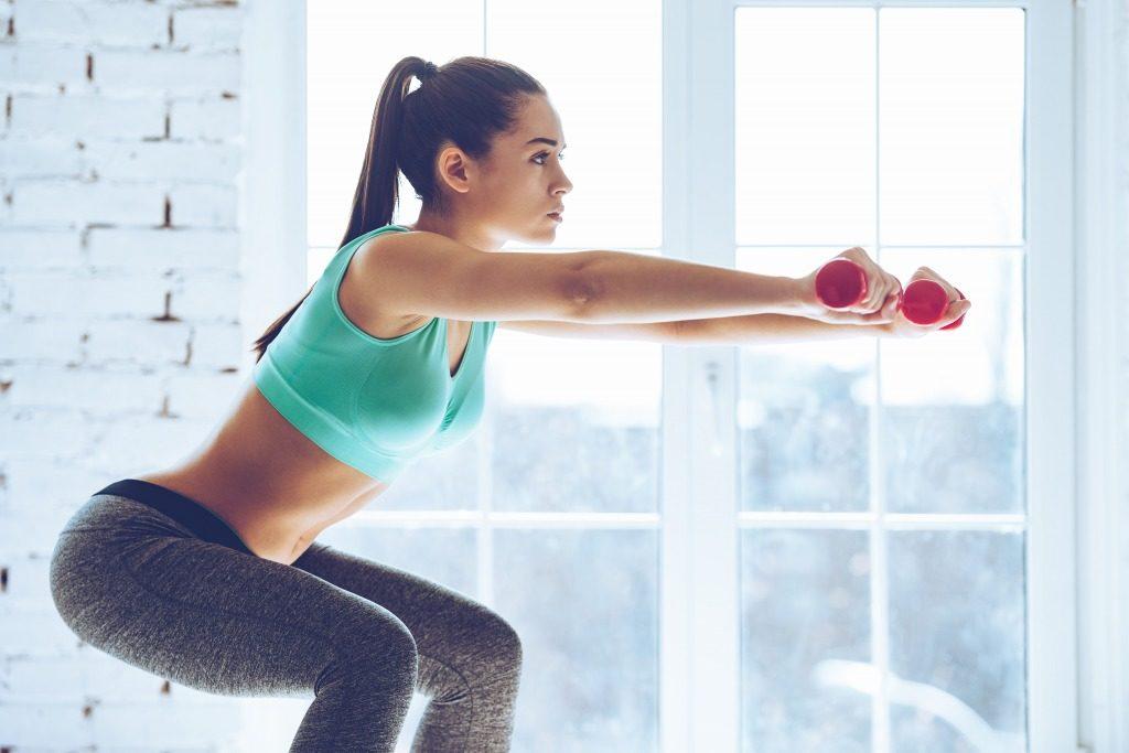 女性の筋トレでダンベルで鍛えられる筋肉とは