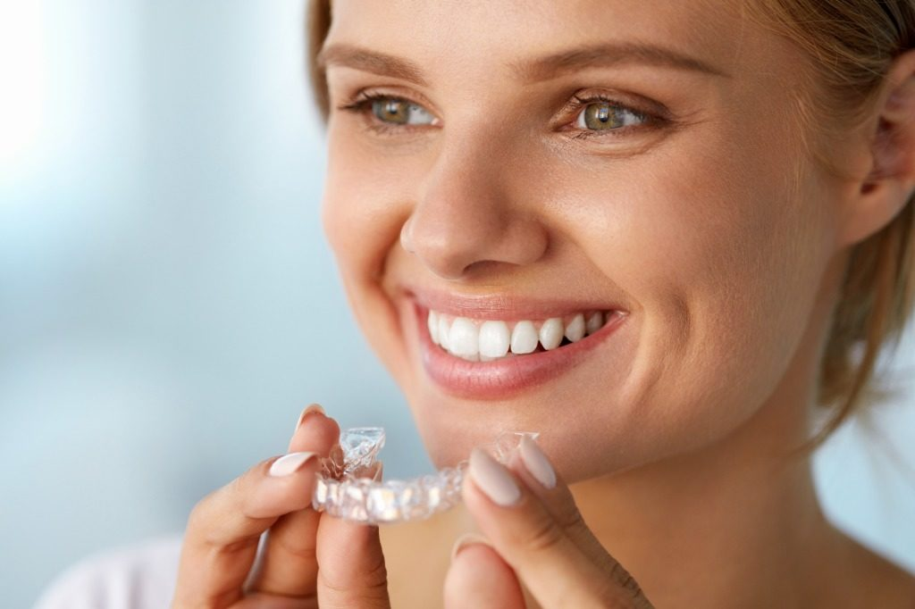 ホワイトニング用マウスピースの使用後はしっかり薬剤を落としましょう