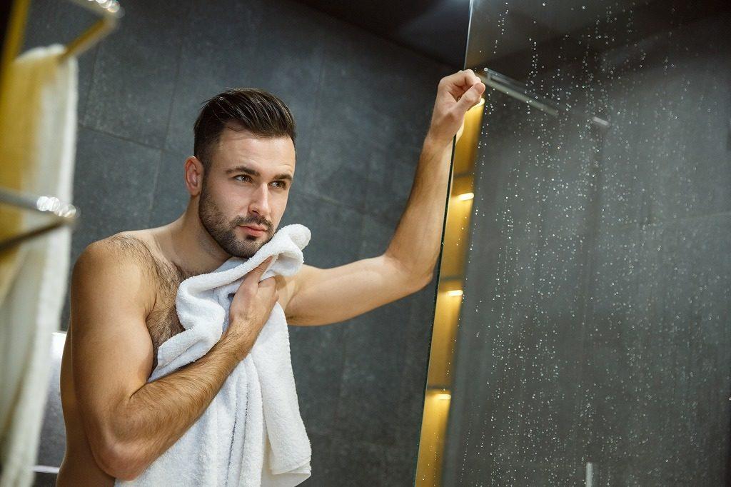 メンズ美白クリームはお風呂上がりに使用するのが効果的です