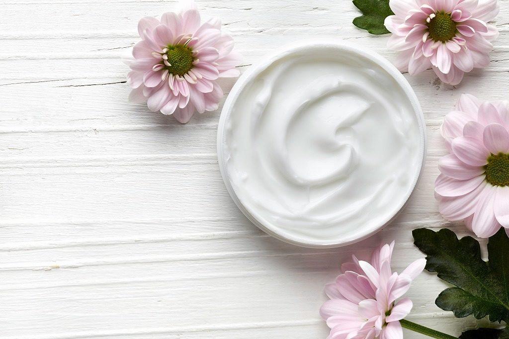美白クリームは保湿成分が配合されているものがおすすめです
