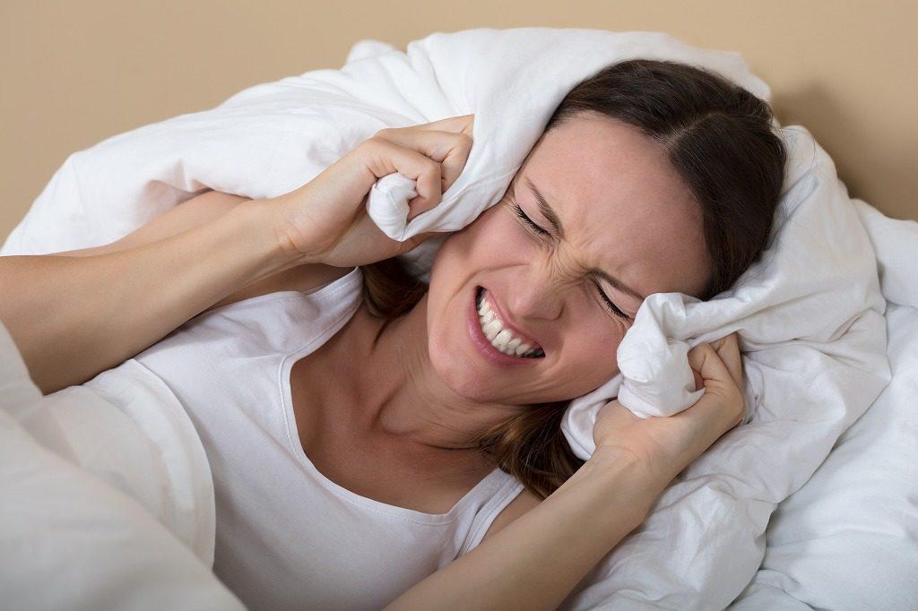夜用アイプチで肌に異常が現れた場合はすぐに使用を中止しましょう