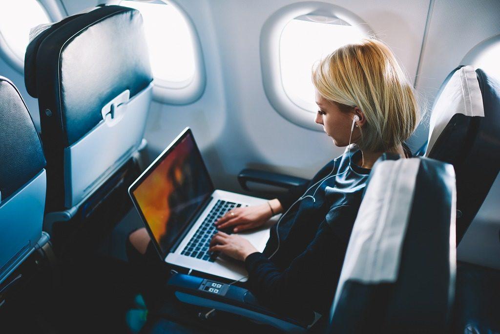 着圧ソックスは長時間の飛行機にもおすすめです