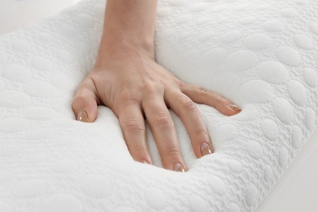 ストレートネック枕は硬さがちょうどいいものを選びましょう