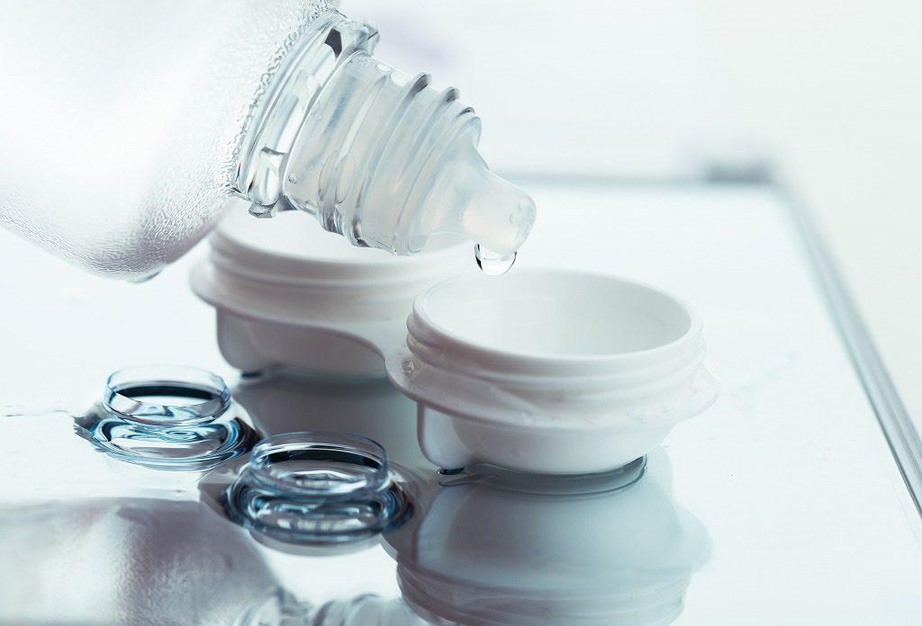 コンタクトレンズを使用しても使える花粉症用目薬を選びましょう