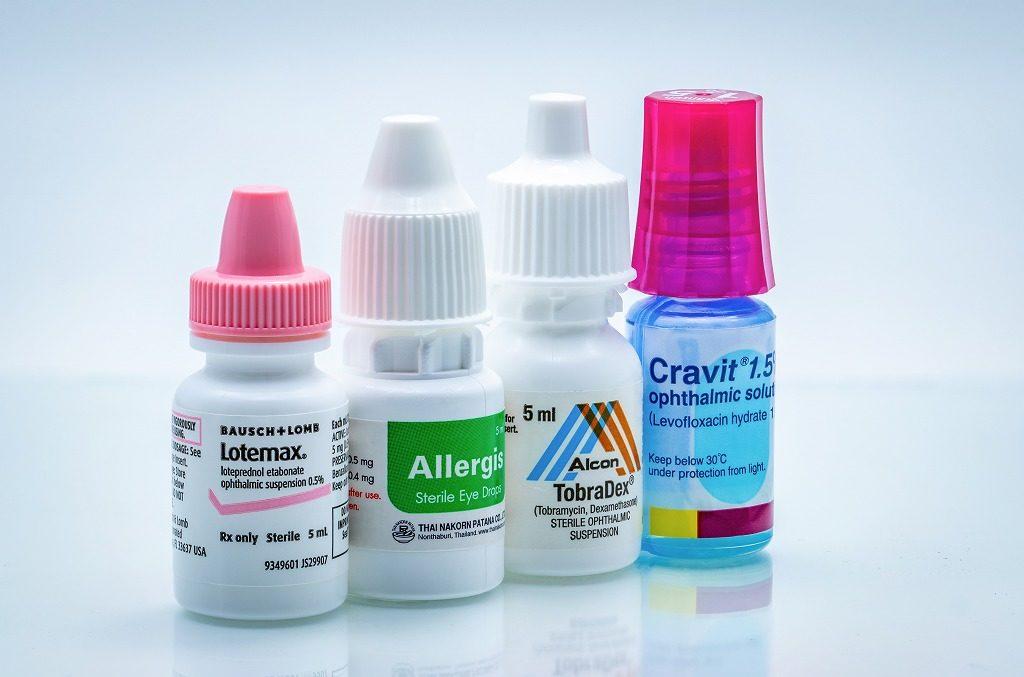 花粉症用目薬の色の違い