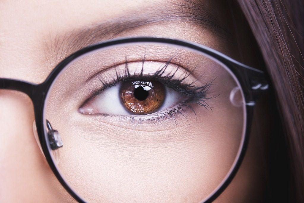 花粉対策メガネは自分の顔にフィットするものを選びましょう